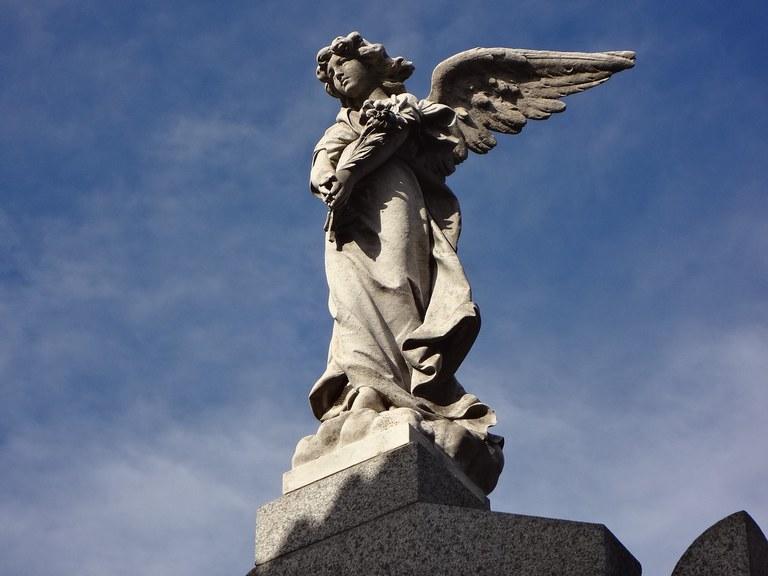 Funérailles ange debout